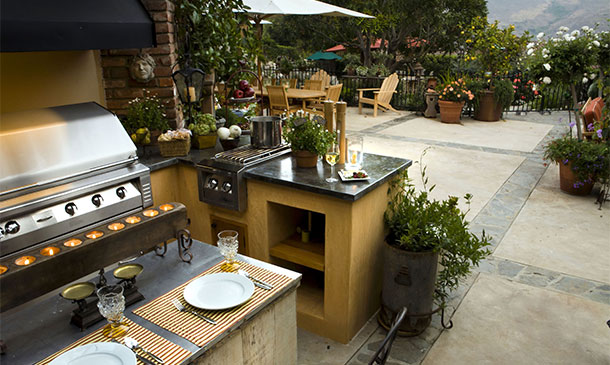 outdoor patio kitchen with bbq - Enclosed Outdoor Patio Ideas